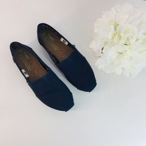 NAVY BLUE ESPADRILLE BY TOMS SIZE 6W
